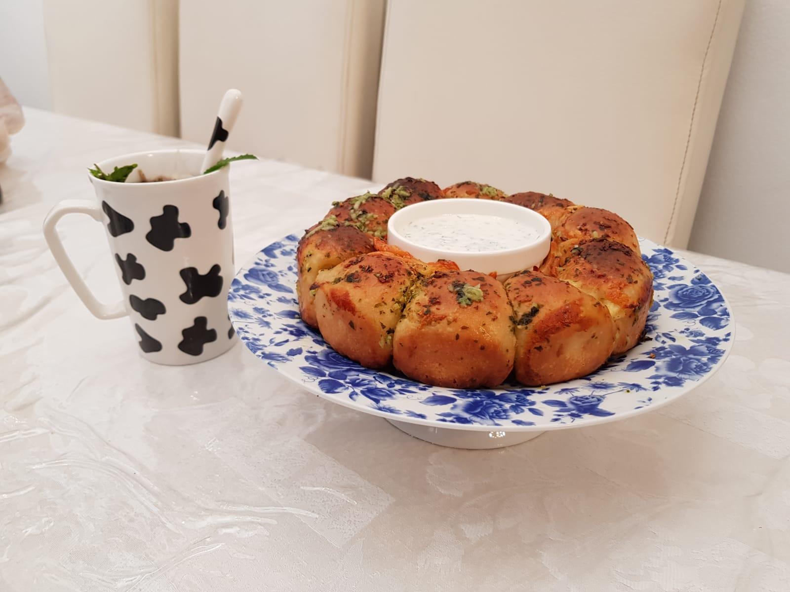 מאפה לחם שום במלית גבינות | צמד השבוע